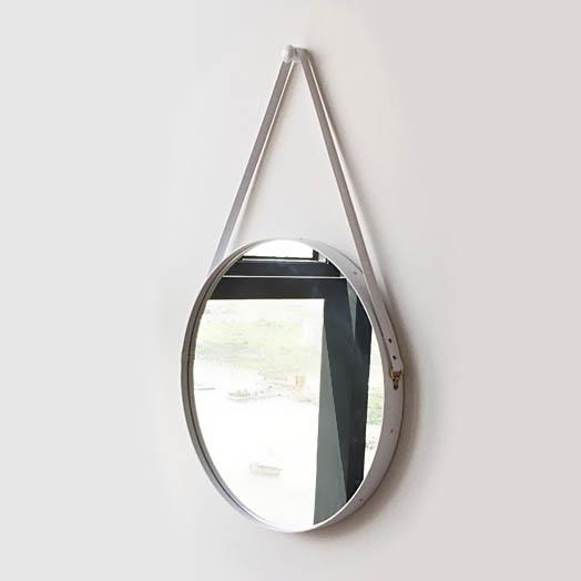 gương dây da trắng