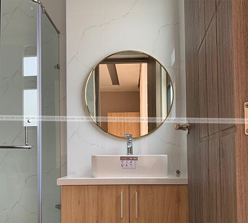 Gương tròn da bên cạnh thiết kế hình tròn hiện đại, mới mẻ