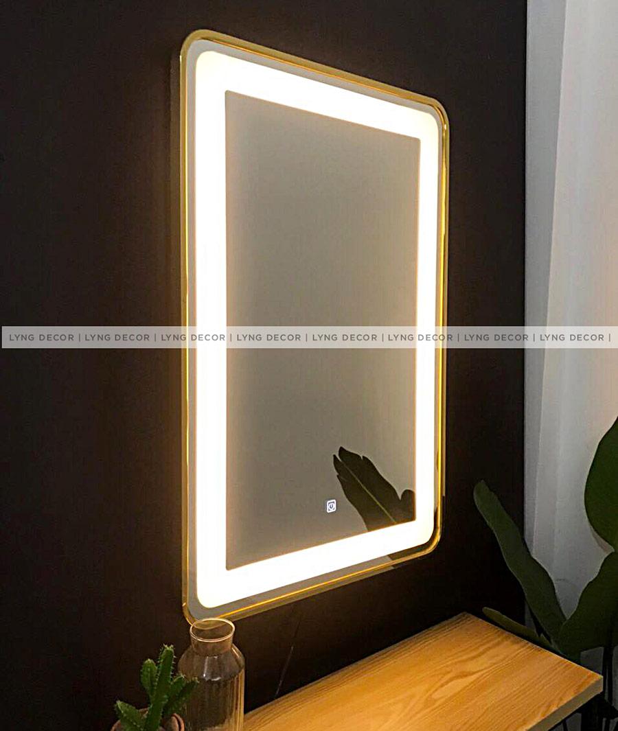 Gương chữ nhật, khung sắt gắn đèn led