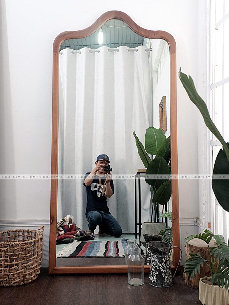 Gương gỗ soi toàn thân