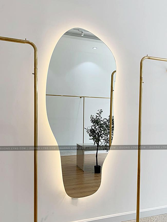 Gương đèn led giúp không gian ấm áp và tươi sáng hơn