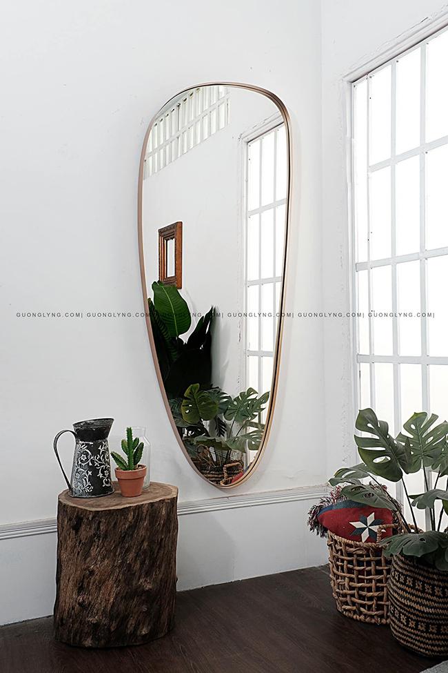 Vì sao nên ưu tiên chọn gương bầu trang trí nội thất?