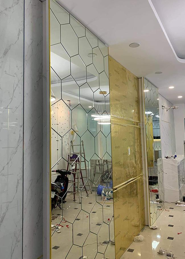 Gương ghép tường là gì? Địa chỉ mua gương ghép tường uy tín ở đâu?