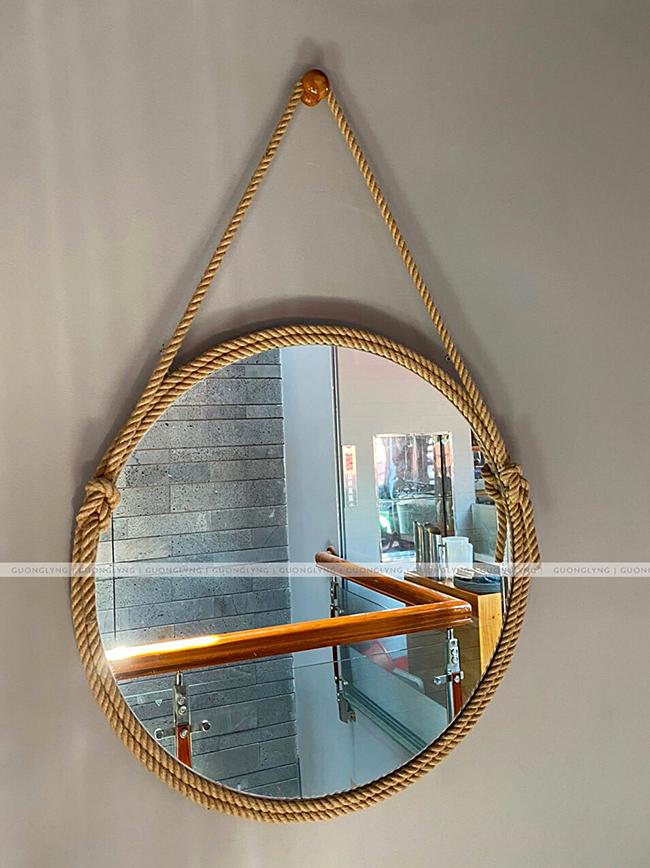 Mẹo xóa vết xước trên gương tròn ngay tại nhà